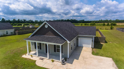 Maysville Single Family Home For Sale: 2401 White Oak River Road