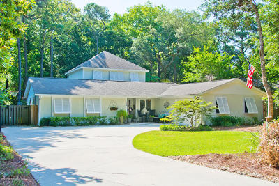 Pine Knoll Shores Single Family Home For Sale: 128 Holly Road
