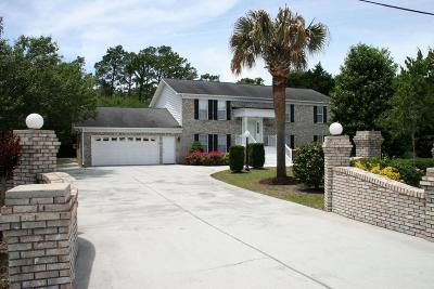 Newport Single Family Home For Sale: 400 Rollingwood Drive