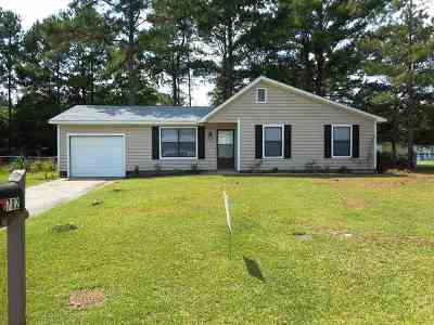 Jacksonville Single Family Home For Sale: 702 Conifer Circle