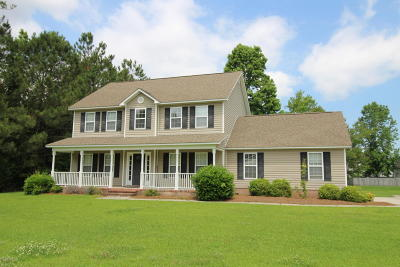 Onslow County Single Family Home For Sale: 305 Foster Creek Road