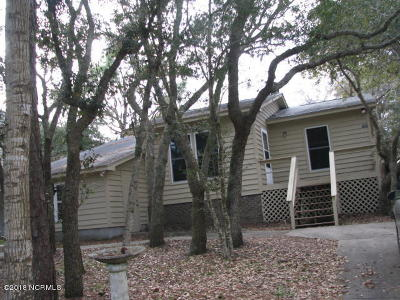 Oak Island Single Family Home For Sale: 131 NE 12th Street