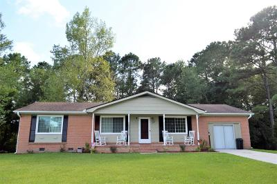Onslow County Single Family Home For Sale: 407 Maplehurst Drive
