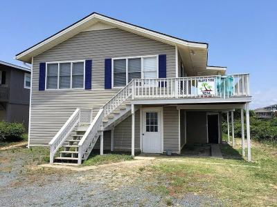 Oak Island Single Family Home For Sale: 1014 W Beach Drive
