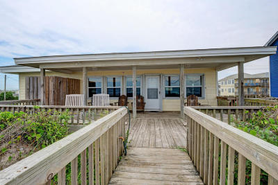 Surf City Single Family Home For Sale: 616 N Shore Drive