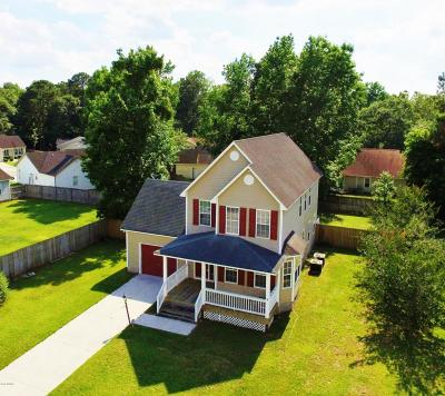 Onslow County Single Family Home For Sale: 116 Fall Drive