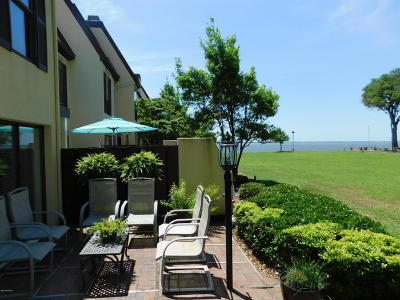 Morehead City Condo/Townhouse For Sale: 191 Drum Inlet