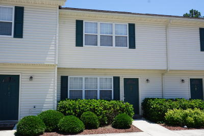 Onslow County Condo/Townhouse For Sale: 57 Pirates Cove Drive