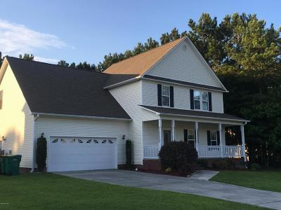 Swansboro Single Family Home For Sale: 203 Brook Crossing Road