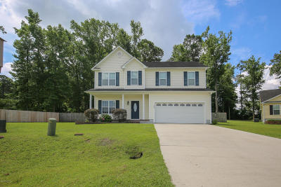 Onslow County Single Family Home For Sale: 109 Elbert Way