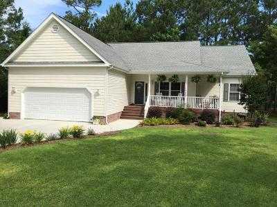 Sneads Ferry Single Family Home For Sale: 215 Shellbank Drive