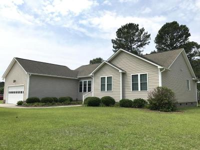 New Bern Single Family Home For Sale: 302 Belle Oaks Drive
