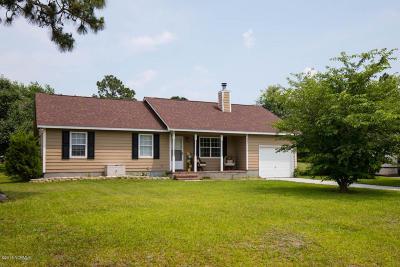 Hubert Single Family Home For Sale: 401 Cascade Court