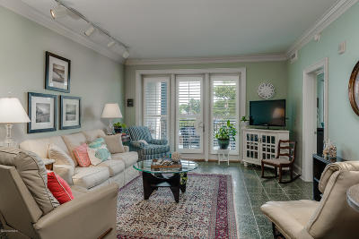 Morehead City Condo/Townhouse Active Contingent: 4425 Arendell Street #104