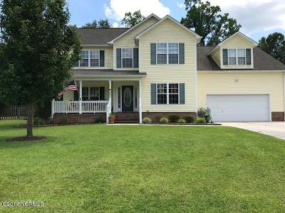 Onslow County Single Family Home For Sale: 206 Wiltshire Court