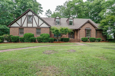 Edgecombe County Single Family Home For Sale: 704 Williamsburg Drive
