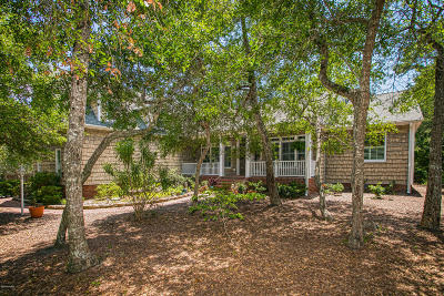 Oak Island Single Family Home For Sale: 8 Pebble Beach Drive