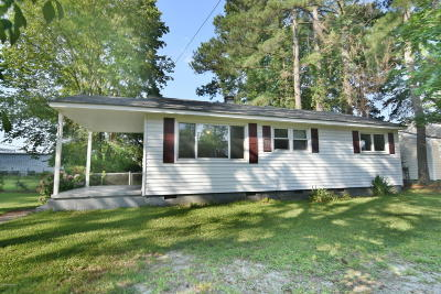 New Bern Single Family Home For Sale: 1112 Meadows Street