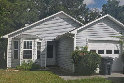Onslow County Single Family Home For Sale: 2033 Derby Run Road