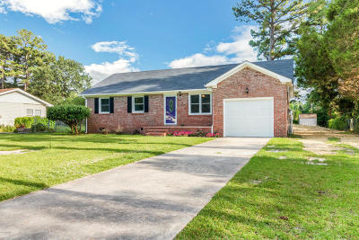 Onslow County Single Family Home For Sale: 112 Oxford Drive