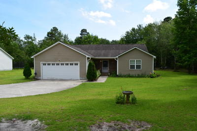 Onslow County Single Family Home For Sale: 266 Sand Ridge Road