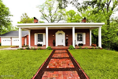 Jacksonville Single Family Home For Sale: 406 Woodland Drive