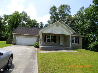 Onslow County Single Family Home Active Contingent: 302 E Aspen Lane