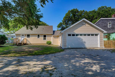 North Topsail Beach, Surf City, Topsail Beach Single Family Home For Sale: 260 Little Kinston Road