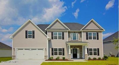 Swansboro Single Family Home For Sale: 512 Shipyard Court