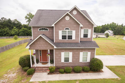 Onslow County Single Family Home For Sale: 100 Beaver Creek Court