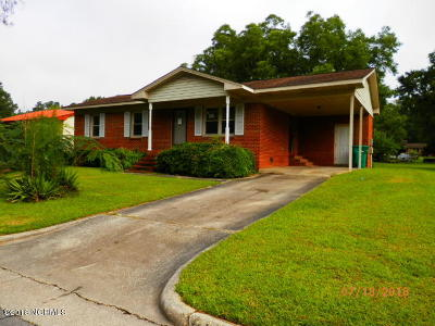 Whiteville Single Family Home For Sale: 832 Pinewood Drive
