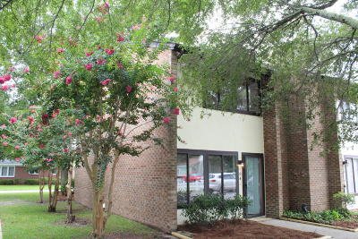Morehead City Condo/Townhouse For Sale: 113 Bonner Avenue #104