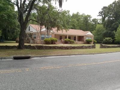 Wilmington Single Family Home For Sale: 2201 E Lake Shore Drive