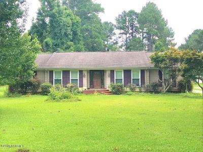 New Bern Single Family Home For Sale: 205 Neuse Cliffs Road