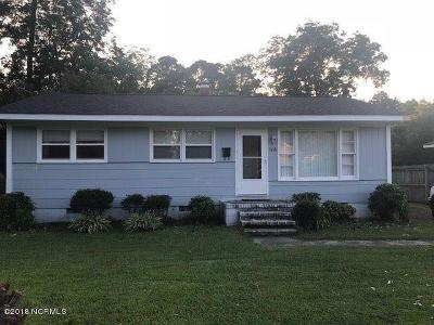 New Bern Single Family Home For Sale: 1618 Queen Anne Lane