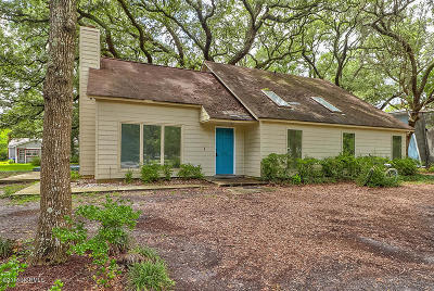 Southport Single Family Home For Sale: 701 Cape Harbor Drive
