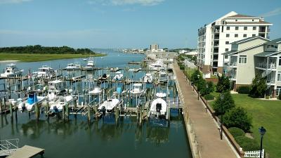 Morehead City Condo/Townhouse For Sale: 211 Arendell Street #404