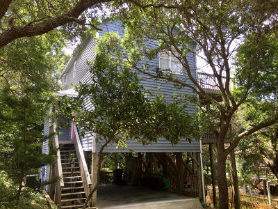 Emerald Isle Single Family Home For Sale: 205 Fredeen Street