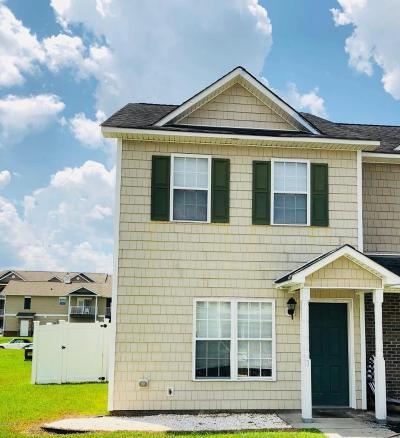 Onslow County Condo/Townhouse For Sale: 301 Bridgewood Drive