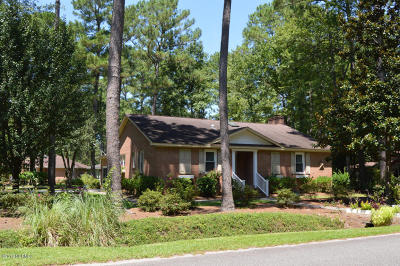 Carolina Shores Single Family Home For Sale: 14 Swamp Fox Drive