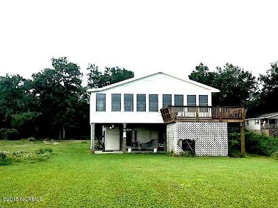Oak Island Single Family Home For Sale: 7402 E Yacht Drive
