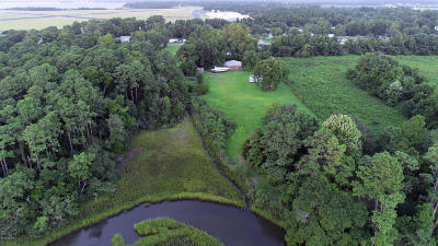 Carteret County Single Family Home For Sale: 566 W Beaufort Road