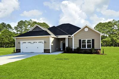 Swansboro Single Family Home For Sale: 511 Shipyard Court