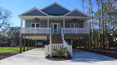 Oak Island Single Family Home For Sale: 207 NE 59th Street