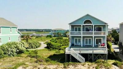 Oak Island Single Family Home For Sale: 6901 Kings Lynn Drive