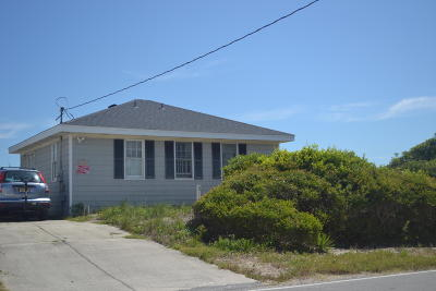 Surf City Single Family Home For Sale: 2106 S Shore Drive