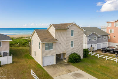 Atlantic Beach Single Family Home For Sale: 414 Club Colony Drive