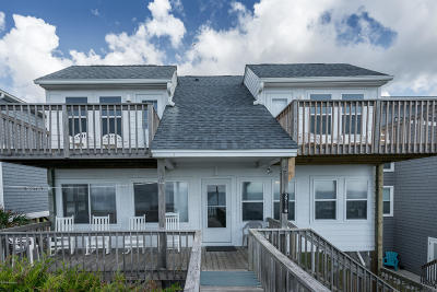 Oak Island Single Family Home For Sale: 2711 W Beach Drive