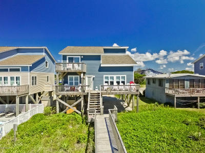 Oak Island Single Family Home For Sale: 4827 W Beach Drive