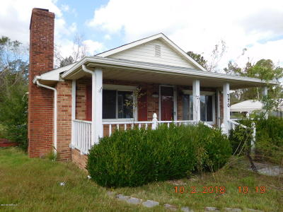 Midway Park Single Family Home Active Contingent: 770 Tallman Circle